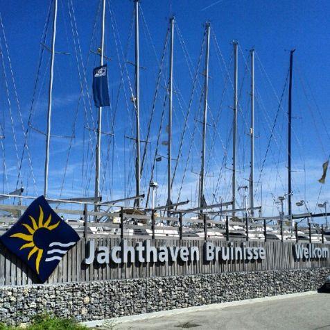 Bruinisse Jachthaven Yachthafen Segelschiff Segelboot Zeeland Niederlande Holland