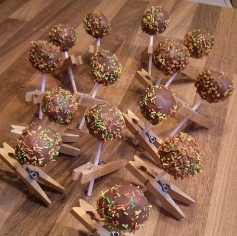 Cake Pops Streusel Vollmilchschokolade Wäscheklammer Rezept
