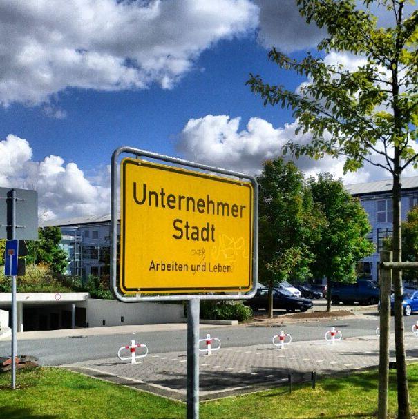Düsseldorf Derendorf Unternehmer Stadt Arbeiten und Leben Schild
