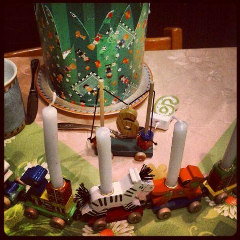 Geburtstag Geburtstagskrone Kerzen Geburtstagszug