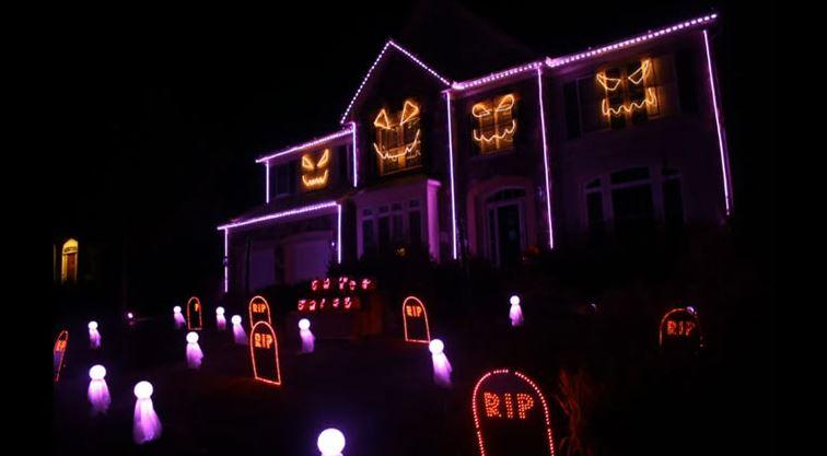 Halloween Hauslichtershow singt Blurred Lines