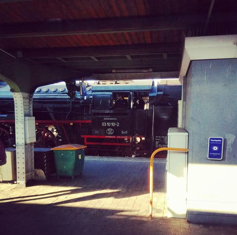 Hamm Hauptbahnhof Dampflok Lokomotive 03 10 10-2 retro