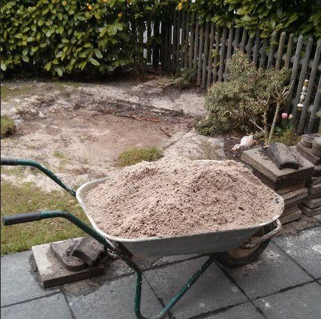 Hochbeet Sandkasten Pavillon Schubkarre Aushub Sand