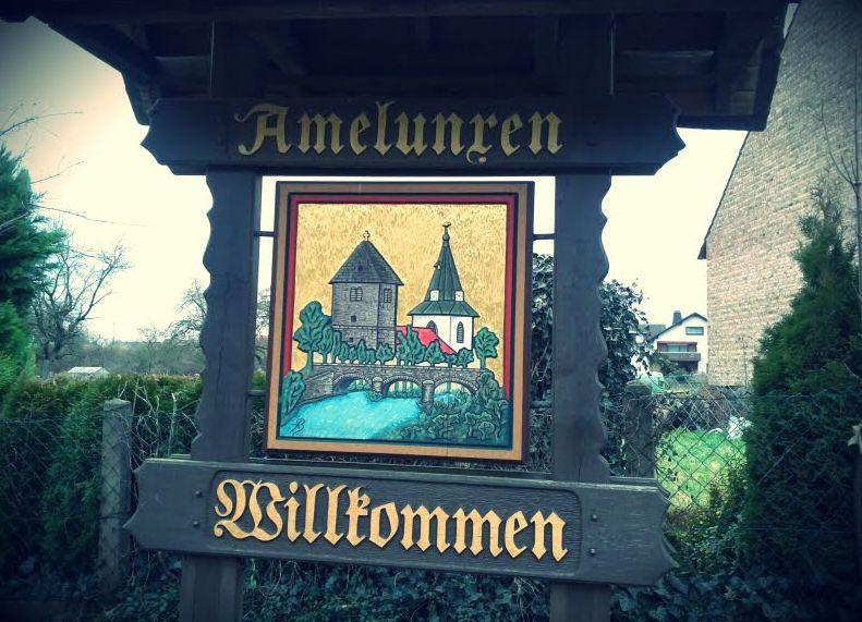 Ortsschild Amelunxen Ostwestfalen Beverungen Nordrhein-Westfalen Westfalen