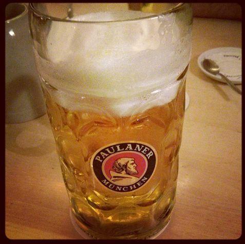 Paulaner am Dom Maß Bier Oktoberfestbier Frankfurt