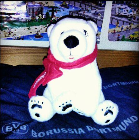 Polarbär Eisbär Coca Cola Weltknuddeltag Hugparade