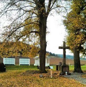 Ruhepark Zweilinden Amelunxen Ostwestfalen Kreuz Friedhof