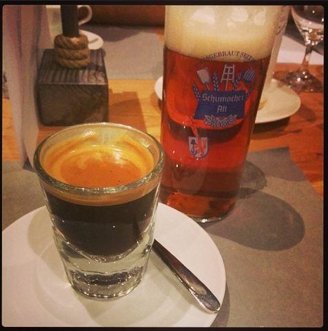 Sansibar by Breuninger Düsseldorf Rheinland Menü Restaurant Espresso Schnapsglas
