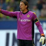 Screenshot BVB Borussia Dortmund Song Musik YouTUbe schwatzgelbfieber - er kuckt ihn weg (Roman Weidenfeller Tribute)