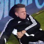 Screenshot Football Fußball SHOCKING Must watch! Hazard Gets Red Card Kicking Swansea Ball Boy ! YouTube
