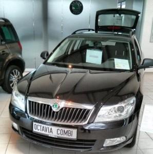 Skoda Octavia Combi II schwarz Auto Kombi