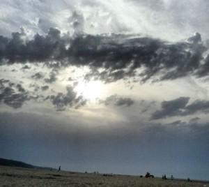 Sonne dunkle Wolken