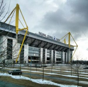 Westfalenstadion Dortmund Borussia BVB Signal Iduna Park Schnee Winter
