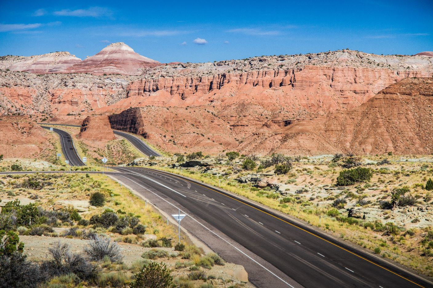 picjumbo.com_IMG_5948 American Interstate in Utah #1_